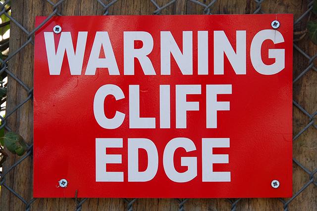 fiscal-cliff-edge