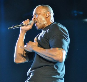 Dr._Dre_at_Coachella_2012_cropped
