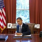 Obama_signs_bill